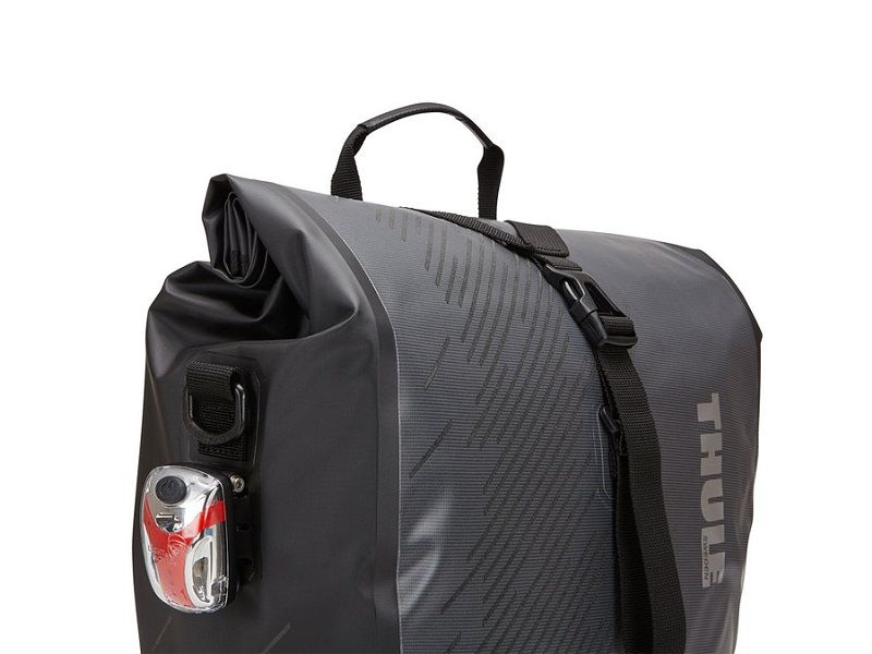 thule_shield_pannier_feature_02_100061_100062_100063_100064_100065_100066_100067_alt4