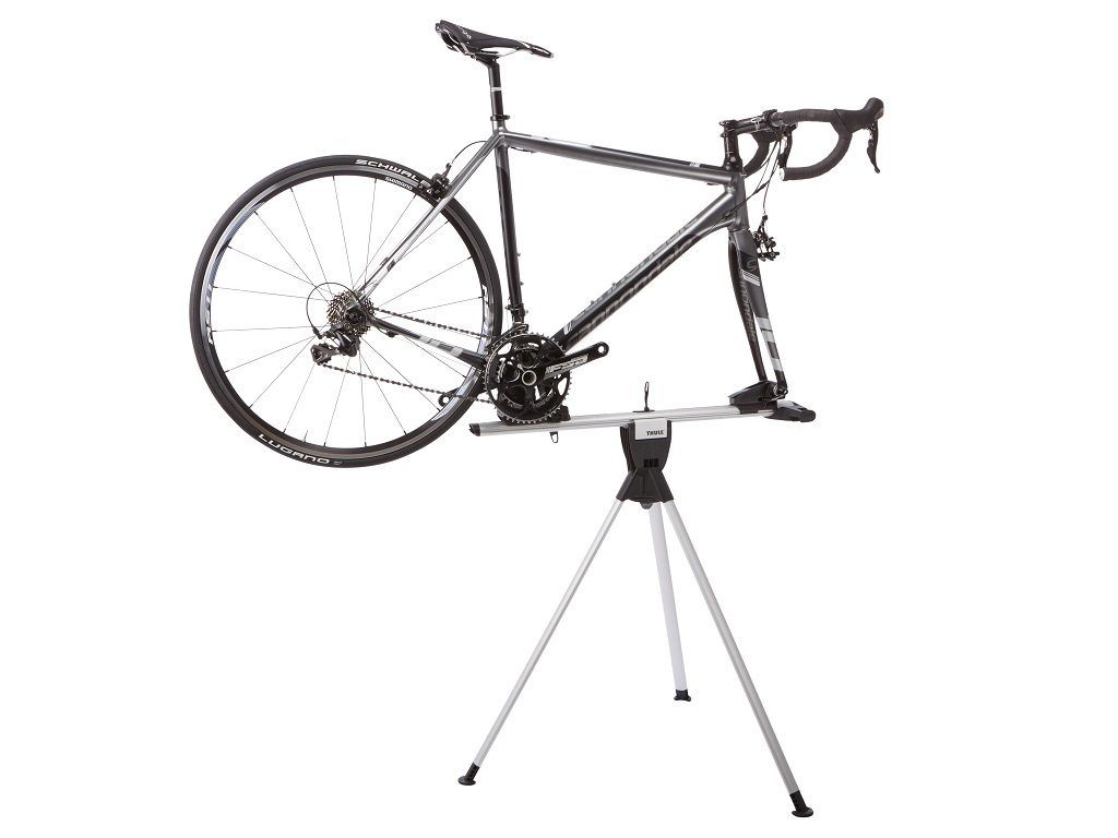 thule_roundtrip_bike_stand_front_mounted_with_bike_100501_100502_100505