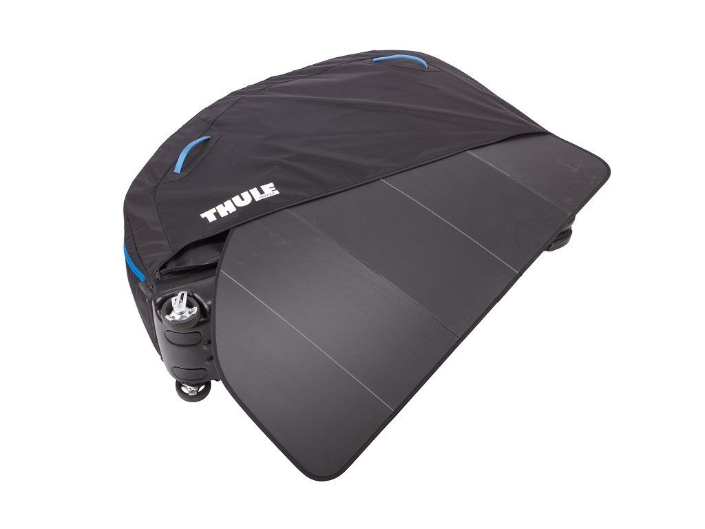 thule_roundtrip_pro_side_panel_01_100505
