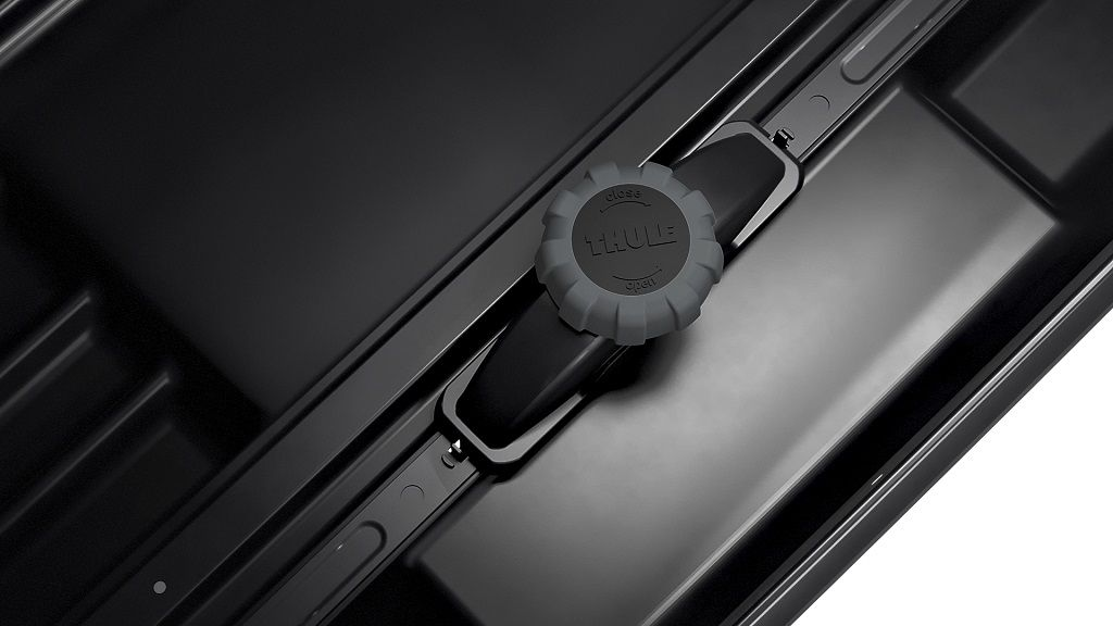 Thule Motion XT XL (800) crna metalik krovna kutija