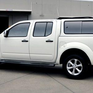 Carryboy hardtop bijeli za pickup Nissan Navara D40 king cab 2005-2015 s bočnim prozorima 23