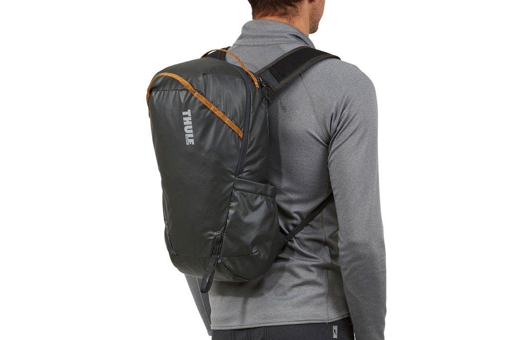 Thule Stir 18L crni planinarski ruksak